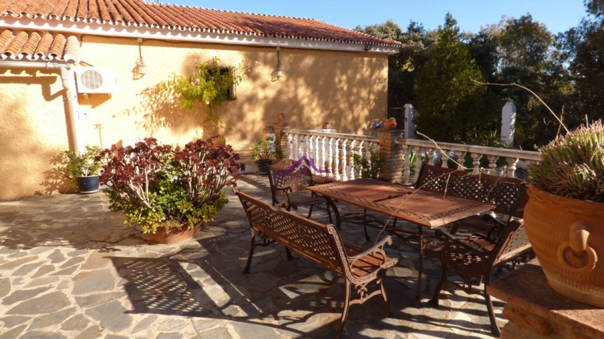 Alhaurin El Grande,Spain,4 Bedrooms Bedrooms,4 BathroomsBathrooms,Villa,1121