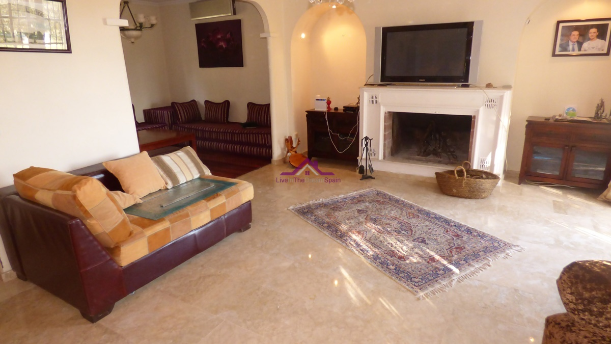 Villa, sale, Alhaurin el Grande, large plot, estate, gated community, large pool, 5 bedrooms 5 bathrooms en suite, opportunity