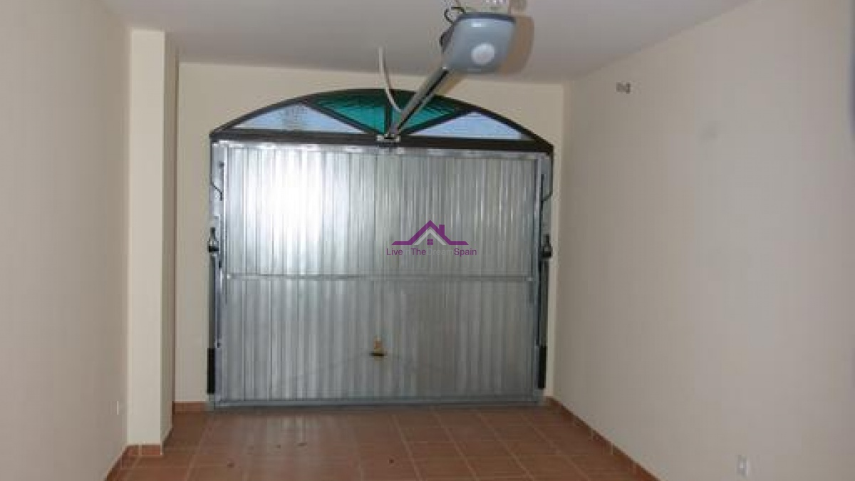 4 Bedrooms, Townhouse, For Rent, 2 Bathrooms, Listing ID 1034, Coin, Spain,