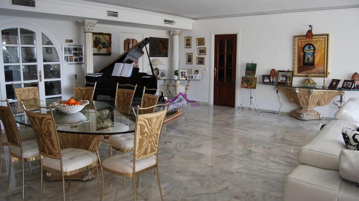 3 Bedrooms, Apartment, For sale, Marbella, Torre Real, Luxury, on the beach
