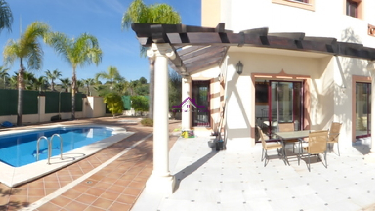 Coin,Spain,3 Bedrooms Bedrooms,2 BathroomsBathrooms,Villa,1065