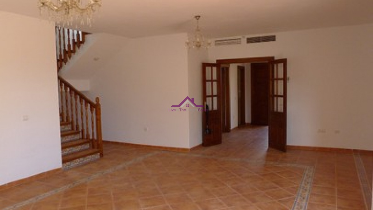 4 Bedrooms, Villa, For Rent, 3 Bathrooms, Listing ID 1066, Spain,