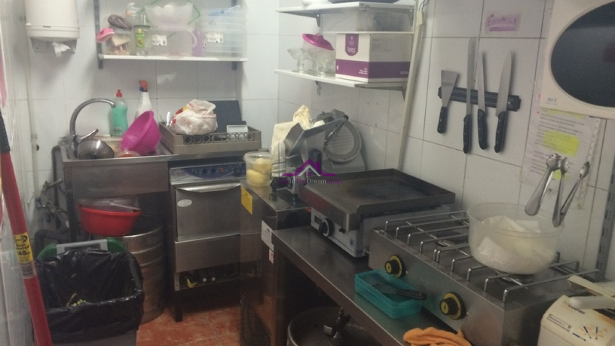 Commercial, For Rent, 2 Bathrooms, Listing ID 1075, Fuengirola, Spain,
